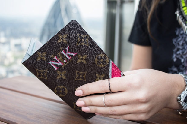 Louis-Vuitton-Mon-Monogram-Five-Five-Fabulous-11
